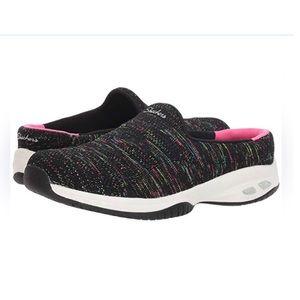 Sketchers Black Slip on Sneaker 7.5 fits like 8
